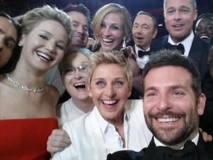 Foto durante la entrega de premios que ha logrado convertirse en la más RT de la historia.