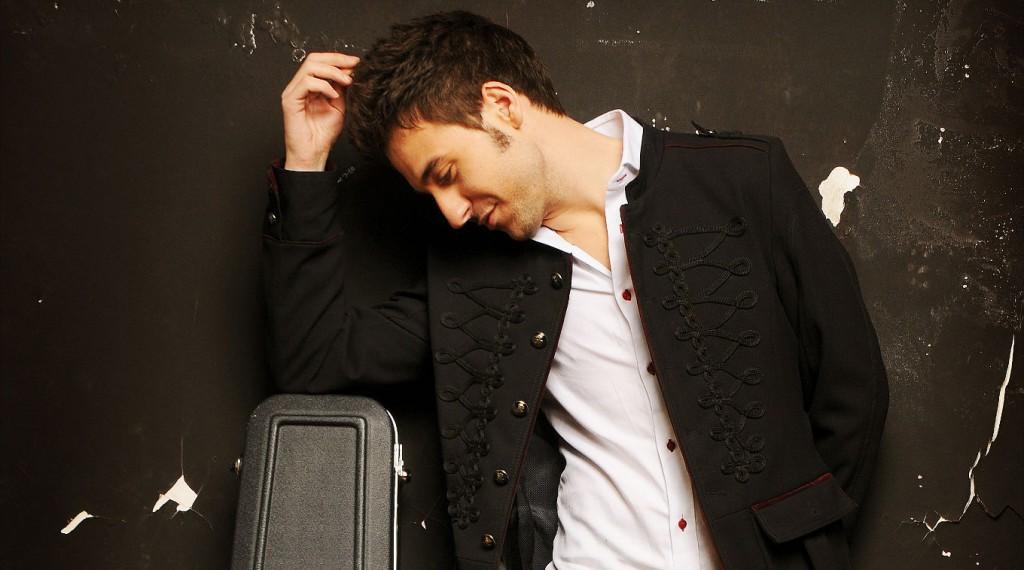 Nacho Rabadán, voz de la banda La Buena Vista.