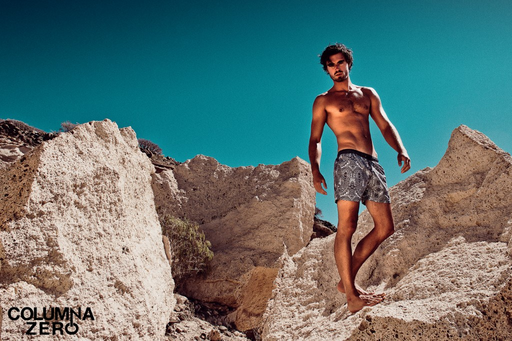 EDITORIAL: HOLAS BEACHWEAR