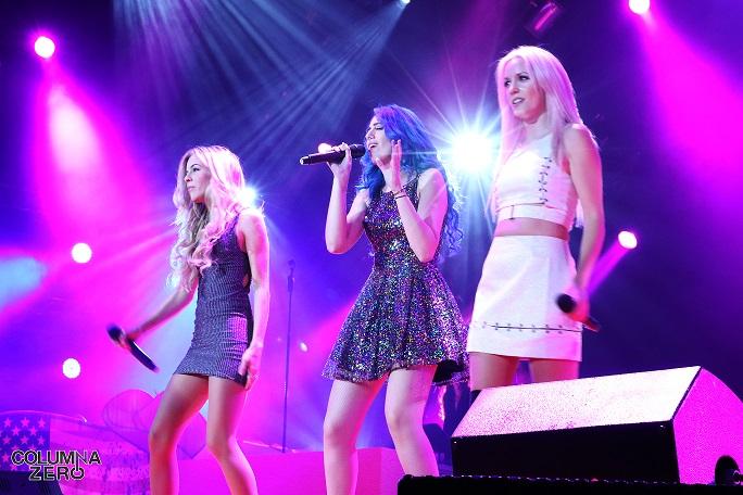 Las chicas de Sweet California hicieron al público moverse con su pop juvenil.