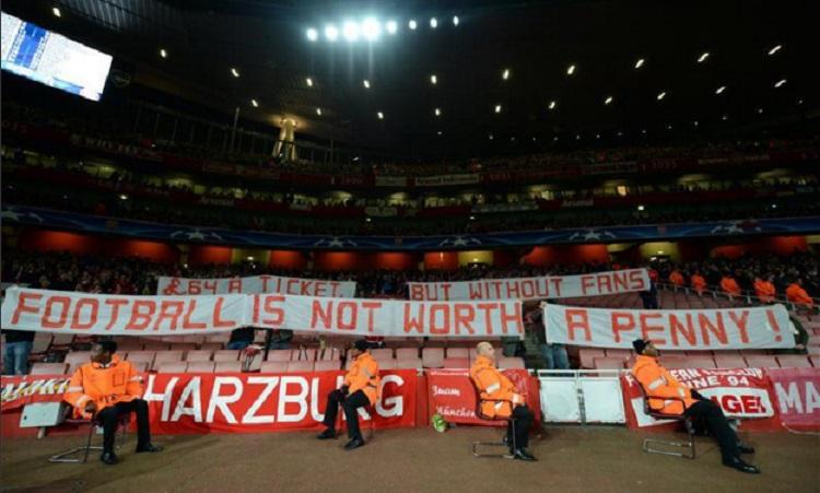 hinchas del Bayern en el estadio del Arsenal en la pasada jornada de la Champions League.