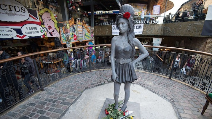 amy-winehouse-eaton-bronze-statue-camden-lead